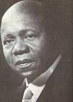 Le Président Léon Mba